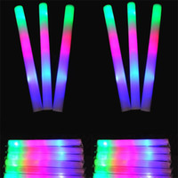 мигающие пенные палочки оптовых-Светодиодные красочные стержни привели пенопластовая ручка, вспыхивающая светящаяся ручка из светящейся пены