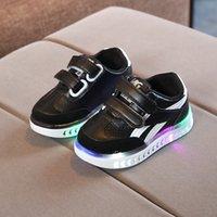 tablero luminoso al por mayor-Nuevo Light-up Children Board Shoes LED Children Leisure Shoes Luminous Sports Shoes coreanos envío gratis
