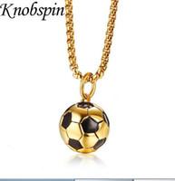 uzun altın topu kolye kolye toptan satış-Erkek Paslanmaz Çelik Futbol Kolye Kolye Altın Renk Futbol Topu Kolye Kolye Punk Rock Takı Uzun Zincir 24
