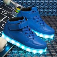 bebés varones pequeños grandes al por mayor-Niños Niñas Marca de moda Niños LED Entrenadores Bebé Niño pequeño Niño grande Casual Zapatos de diseño con estilo Y18110304