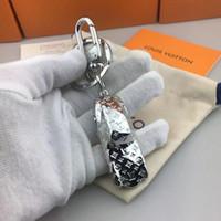 caché porte-clé achat en gros de-2019 dernière clé concepteur porte-clés de la marque de mode de luxe sifflet voiture chaîne femmes classiques hommes occasionnels des porte-clés avec boîte d'origine en gros