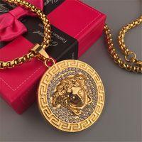 große goldanhänger für männer großhandel-Goldene Göttin Halskette Für Männer Und Frauen Marke Design Kristall Große Logo Anhänger Halsketten Mode Männer Valentinstag Geschenk