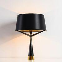 yatak odası için siyah masa lambaları toptan satış-Modern İskandinav kumaş masa lambası, trigeminal Stent yaratıcı yatak odası çalışma başucu dekoratif masa lambası Siyah Demir