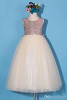 şampanya nedime elbisesi kanadı toptan satış-Yeni Çiçek Kız Elbise Küçük Kız Prenses Sequins Şampanya Etek Nedime Resmi Düğün Durum Dilek Prenses Bow Brithday Için