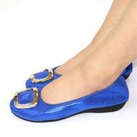 mocasin azul zapatos mujeres al por mayor-Bailarina RoundToe Ruta mocasines metálicos de gran tamaño de zapato de las mujeres del diseñador planos del ballet de plegables 10 Ajuste ancho Royal Blue Spring