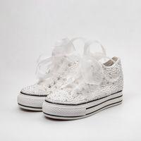 düz ayakkabı kristalleri toptan satış-Ülke Düğün Ayakkabı Kadınlar El Yapımı Kristaller İnciler Sneakers Gelin düz Ayakkabı Tuval plimsoll nedime Sneaker ayakkabı Custom Made Renk