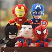 çocuk oyuncakları toptan satış-Sıcak Sevimli 30 cm Q tarzı Örümcek-adam Kaptan Amerika Dolması oyuncaklar Süper kahraman peluş yumuşak Avengers peluş hediyeler çocuk oyuncakları Anime kaws oyuncaklar