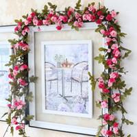 güller yaprakları toptan satış-Moda 230 cm Düğün Süslemeleri Sahte İpek Güller Ivy Vine Yapay Çiçekler Yeşil Yapraklar Ile Asılı Çelenk Ev Dekor Için