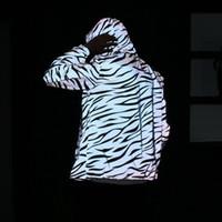 listras de zebra magras venda por atacado-2019 Novos Homens Jaqueta Hip Hop Blusão Jaqueta Reflexiva Zebra Stripe Fluorescente Casaco Com Capuz Casais Fino Casaco Com Capuz Cardigan