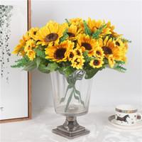 sarı çiçek başları toptan satış-Sonbahar Dekorasyon 13 Kafaları Sarı Ayçiçeği İpek Yapay Çiçekler Buket Ev Dekorasyon Ofis Parti Için Bahçe Dekor