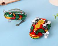 ingrosso vento su salto giocattolo rana-Classico Giocattolo per bambini Clockwork Tin Frog Jumping Frog Toy Bambino Bambino giocattolo Novità Gag Toys Wind-up Toys