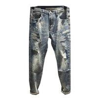 top zerrissene jeans männer großhandel-2019mens beunruhigte zerrissene Lochreitjeans Dünne Plüschbuchstabenjeans der Motorradmitfahrerdenimmänner-Modedesigner-Hip-Hop-Männer Hochwertige
