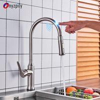 einzelne heiße kalte wasserhähne groihandel-360 Schwenker automatischer Sensor-Hahn-Wannen-Küche-Hahn Hot Cold Water-Mischer-Hahn-Touch-Free Infrarot-Tap