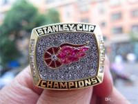 anillo de 1998 al por mayor-Pay4U Drop Shipping 1998 Detroit Red Wings Stanley Cup Championship Ring Fan Hombres Regalo al por mayor
