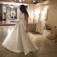 vestido de novia coreano de marfil al por mayor-Vestido de novia vestido de la longitud del piso de boda simple cuello de la joya de satén sin mangas de marfil blanco del coreano de las mujeres elegante una línea Vestido de novia