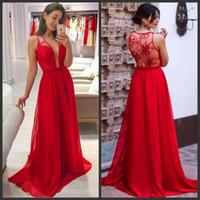 943737b15d Vestidos de dama de honor rojos Cuello en V profundo Apliques de encaje  Ilusión Vestidos de dama de honor Volantes de gasa Hasta el suelo Vestidos  elegantes ...