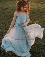 kız olay elbise şifon toptan satış-2019 Bohemia spagetti Çiçek Kız Elbise yaz Özel Durum Elbise Düğün kat Uzunluk şifon İlk Komünyon Elbiseler