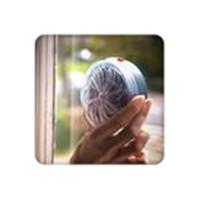 ingrosso assassini alimentati da insetti solari-La lampada UV di ronzio alimentata solare dell'uccisore della zanzara dell'uccisore della mosca dell'insetto della mosca per l'ammortizzatore portatile dell'inserto della camera da letto domestica libera il trasporto