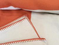 couvertures de literie achat en gros de-Lettre H Couverture En Cachemire Imitation Laine Douce Écharpe Châle Portable Chaud Plaid Canapé-Lit En Molleton Tricoté Throw Towell Cape Rose Couverture