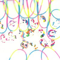 collar de fiesta niños al por mayor-Colgante de unicornio Rainbow Horse Collares Collares de sirena de dibujos animados Niños Juguetes de goma Fiesta de cumpleaños Niños Niñas Joyería de cadena de PVC GGA2497
