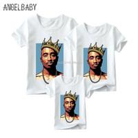 küçük çocuklar tişörtler toptan satış-Eşleşen Aile Kıyafetleri 2pac / Biggie Smalls Baskı Erkek Kız T-shirt Aile Eşleştirme Bakmak Giysi Giysileri KidsManWoman Komik Tshirt