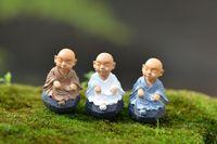 ingrosso miniature garden-Nuovo kung fu Cartoon monk figurine fairy garden miniature ornamenti terrario Decorazione muschio Micro Paesaggio mestieri in resina