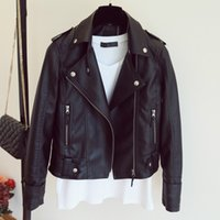 yeni desenler deri ceketler toptan satış-Kadın 2019 Yeni Tasarım İlkbahar Sonbahar PU Deri Ceket Sahte Yumuşak Deri Ceket Ince Siyah Perçin Fermuar Motosiklet Pembe ceketler
