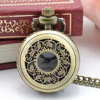 uhr halsketten großhandel-Vintage Watces Männer Frauen Quarz Taschenuhr Antiken Stil Unisex Steampunk Stereo Schnitzen Muster Halskette Anhänger Uhren