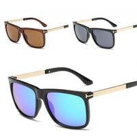 разноцветные солнцезащитные очки оптовых-Квадратный Человек солнцезащитные очки женщины металлический каркас поляризованный свет солнцезащитные очки путешествия пляж Отдых очки Multi цвета высокое качество 13sm D1