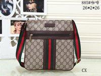 neutrale tasche großhandel-New Fashion Herrenhandtasche Hohe Qualität Leder Neutral Reisetasche Hy450885 Herren Umhängetasche