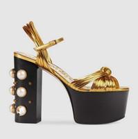 boncuklu topuklu ayakkabılar toptan satış-2019 yaz yeni kalın süper yüksek topuk platformu ile boncuklu moda altın sandalet bayan ayakkabıları büyük boy 34-42