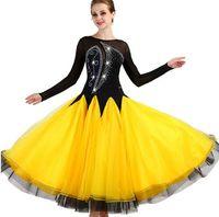 saia de salão amarelo venda por atacado-Concurso de salão de baile vestidos de dança mulheres 2019 nova manga longa elegante saia de dança flamenco amarelo padrão ballroom dress