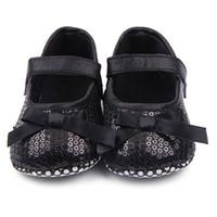 hermosos zapatos nuevas chicas al por mayor-Baby Girl Bowknot Bling zapatos de lentejuelas infantil Prewalker Toddler Shoes New Beautiful Multicolor algodón caliente venta recién nacido dulce