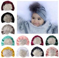kız başlıklar fotoğrafları toptan satış-Yeni Bebek Sıcak Şapkalar Saç Top Altın Kadife Hindistan Kapaklar Ipek Yumuşak Cilt Kürk Sonbahar Kış Erkek Kız Kapaklar Fotoğraf Sahne