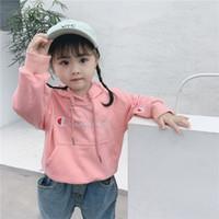 çocuklar tişörtü markaları toptan satış-Marka Şampiyonu Çocuklar Pamuk Hoodie Nakış Harfler Erkek Kız Kazak Üst Bahar Sonbahar Çocuk Tasarımcı Kazak Giyim 3-8Y B8120