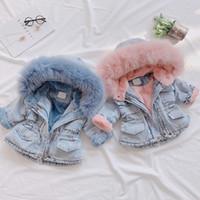 ingrosso giacca coreana del capretto ragazza-Autunno Inverno neonata denim Fur Coat Abbigliamento coreana Kid Warm Jacket addensare Capispalla con cappuccio bambini Fashion Park Abbigliamento 2-6 anni