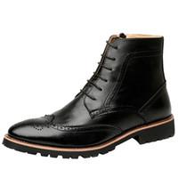 i̇ngiliz stili sivri parmak çizmeleri toptan satış-İngiliz tarzı tasarım erkekler vintage punk gece kulübü elbise oyma bullock ayak bileği çizmeler yumuşak deri çizme sivri burun brogue ayakkabı adam
