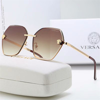 Wholesale Top Quality Luxury Oversized Square Frame Fashion Women Sunglasses Designer Driving Millionaire OutdoorSun Glasses Adumbral Glasses With Box