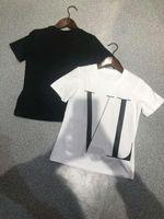 feine hemden großhandel-New Fashion Kinder T-Shirt Komfortabel und atmungsaktiv Mit feinen Stoffen Hübscher Mode V Buchstaben drucken