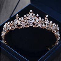 vintage tören tiaraları toptan satış-Yapay İnciler Vintage Altın Pageant Quinceanera Taçlar Tiaras Kadınlar 2018 Saç Takı Rhinestone Gelin Bantlar
