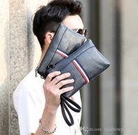 monedero pequeño de punto al por mayor-Las ventas de fábrica son de la marca de moda coreana de color de cuero de los hombres bolso de mano casual mens sportswear hombres billetera bolso de mano