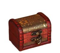 eski ahşap saklama kutuları toptan satış-Ücretsiz kargo Vintage Mücevher Kutusu Organizatör Saklama Kutusu Mini Ahşap Çiçek Desen Metal Konteyner El Yapımı Ahşap Küçük Kutuları
