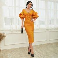 вечерние платья оптовых-2018 элегантный оранжевый атласные короткие homecoming платья оборками оболочка коктейльные платья v шеи короткие платья выпускного вечера чай длина платья партии