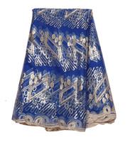 royal blue lace stoff großhandel-Französisch Afrikanische Neue Königsblau Wasserlösliche Spitze Pailletten Kleid Stoff für Abschlussball Abendgesellschaft Kleid Freies verschiffen 5 Yards / Lot