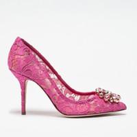 düğün dantelli süslenmiş toptan satış-Zarif Dantel Yüksek Topuklu Gül Kırmızı Beyaz Gelin Ayakkabıları Düğün Kristal Süslenmiş Örgün Elbise Ayakkabı Kadınlar