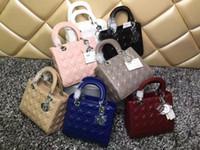 vermisse kette großhandel-Marke Lady Plaid Messenger Bag Echtes Lackleder 5 Plaid Handtasche Lammfell Charms Miss Chain Bag