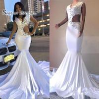 ünlü denizkızı gelinlik toptan satış-2020 Beyaz Seksi Mermaid Gelinlik Artı Boyutu Uzun Pageant Elbise Kristaller Ünlü Akşam elbise Örgün Düğün Parti Illusion Kol Giymek