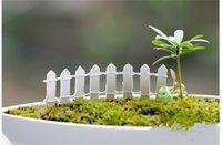 ingrosso mini figurine-Vendita calda reticolato di legno recinzione mini segni fata casa delle bambole giardino pianta figurina decor ornamento paesaggio miniature