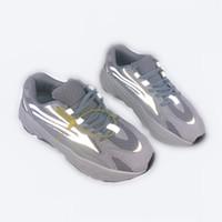 kutular güneş gözlüğü toptan satış-700 v2 Dalga Koşucu Kanye West 700 s Yeni Erkek Tasarımcı spor Koşu Ayakkabıları Erkekler Sneakers Kadınlar için Koşu Eğitmenler Kutusu Ile ...