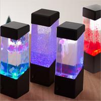 lámparas de medusas al por mayor-Mesita de luz de la lámpara de movimiento Lámpara de las medusas del acuario LED del tanque de lámpara de escritorio de luz de la noche de noche Escritorio Mesa de noche para la luz del acuario
